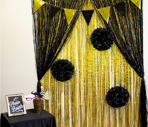Diy Black Gold Photo Booth